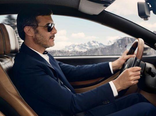 Водитель на личном автомобиле