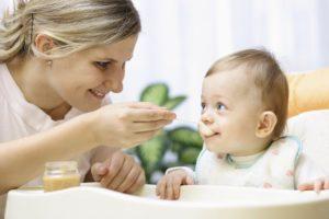 Как выбирать няню для грудничка: на что обратить внимание