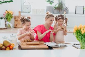 Няня через агентство: 5 важных аспектов